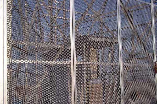 استرچ متال برای حفاظت تجهیزات صنعتی