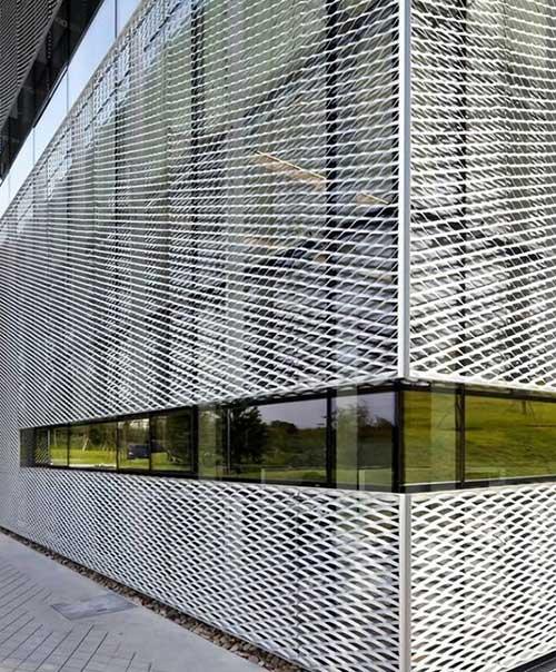 نمای دکوراتیو فلزی استرچ متال برای بازسازی نمای قدیمی ساختمان
